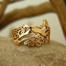 Amulets and Charms - Japanese Stork Ring Gold - Click here for more info