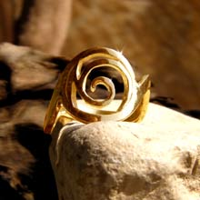 Amulets and Charms - Healing Rafa Ring Gold - Click here for more info