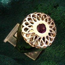 Amulets and Charms - Torus knot ring gold - Click here for more info